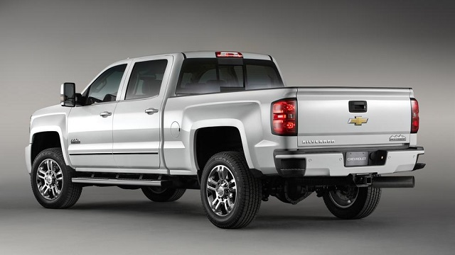 2019 Chevrolet Silverado High Country Side View